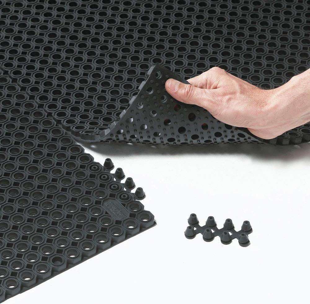 Schmutzfangmatte Typ OF mit Drainagelöchern (Ø 14 mm) und Verbindungselementen