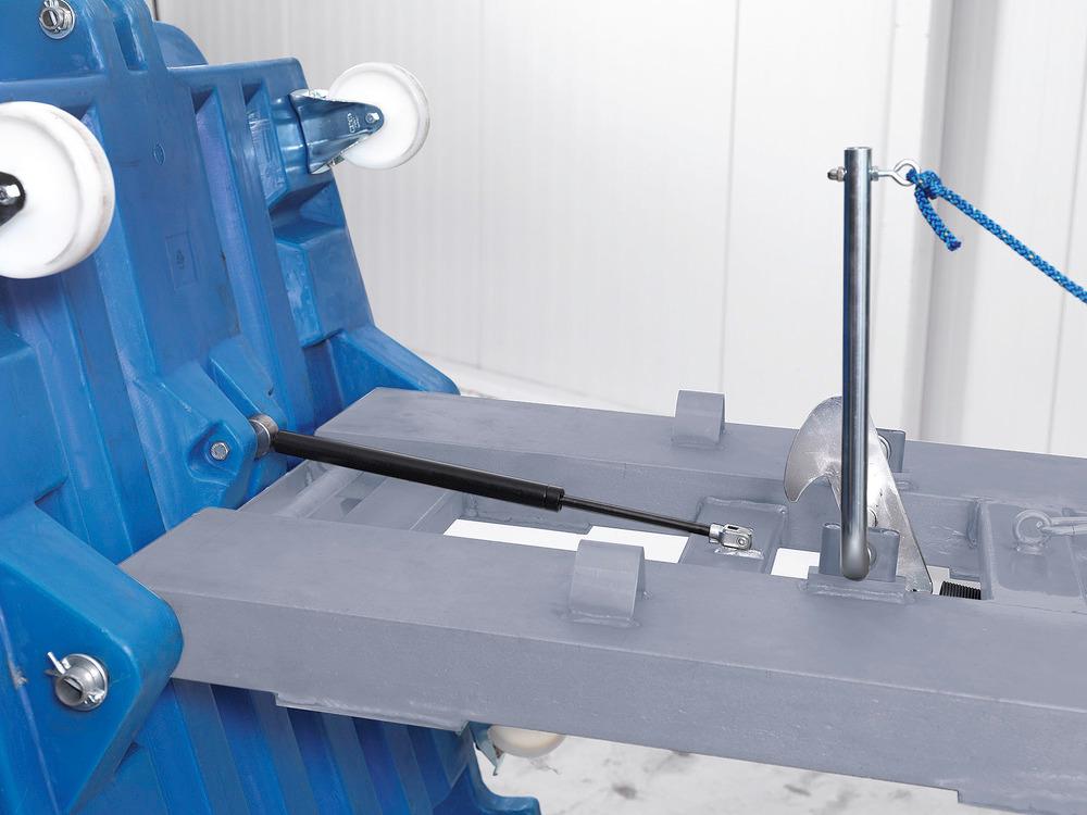Ein spezieller Gasdruckdämpfer sorgt für sicheres Abkippen und Entleeren.