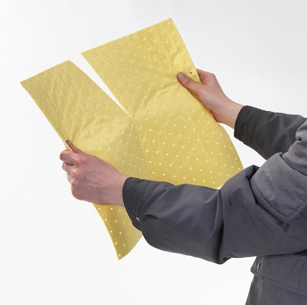 Matten (400 x 500 mm) sind mittig perforiert, um bei kleinen Leckagen leicht die benötigte Menge abreißen zu können.