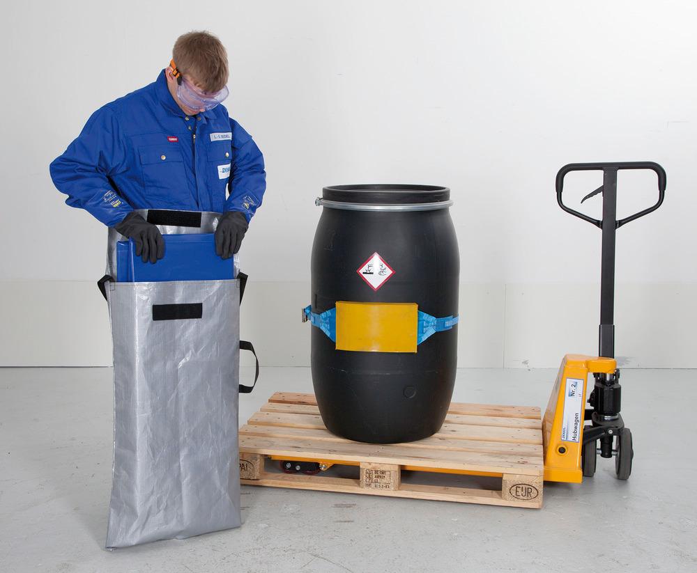 Zusammengefaltet geschützt in leichten, robusten Taschen (optionales Zubehör, siehe Tabelle) sind die flexiblen Mehrweg-Leckagewannen schnell am Einsatzort.