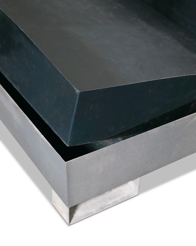 Säurebeständiger Auffangwanneneinsatz aus Polyethylen (PE) als Zubehör lieferbar.