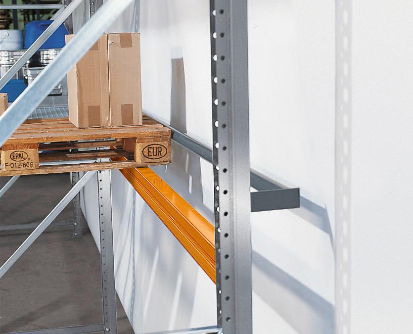 Durchschubsicherungen verhindern ein versehentliches Durchschieben der Ladungsträger / Paletten.