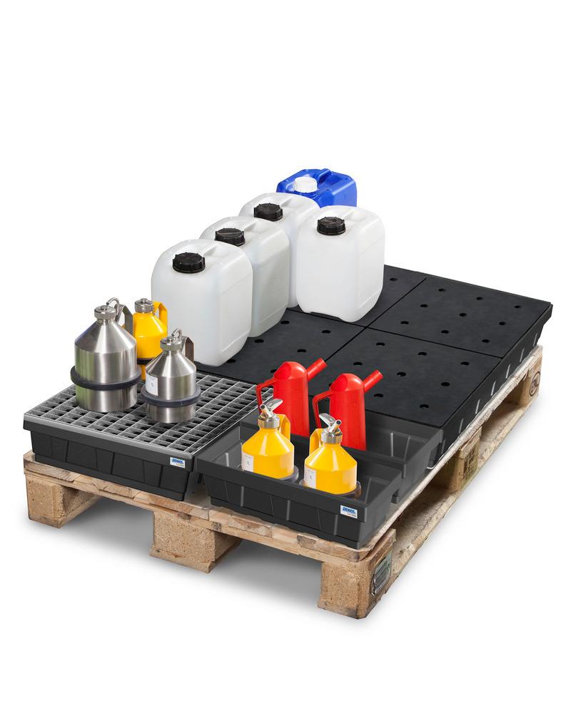 Kleingebindewannen DENIOS base-line platzsparend auf einer Europalette kombiniert aus 1 x Auffangvolumen 68 Liter, 1 x Auffangvolumen 15 Liter und 2 x Auffangvolumen 7 Liter